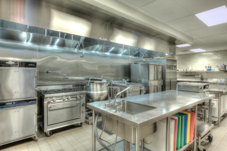 La corretta organizzazione di una cucina ristorante for Kitchen set up for restaurant