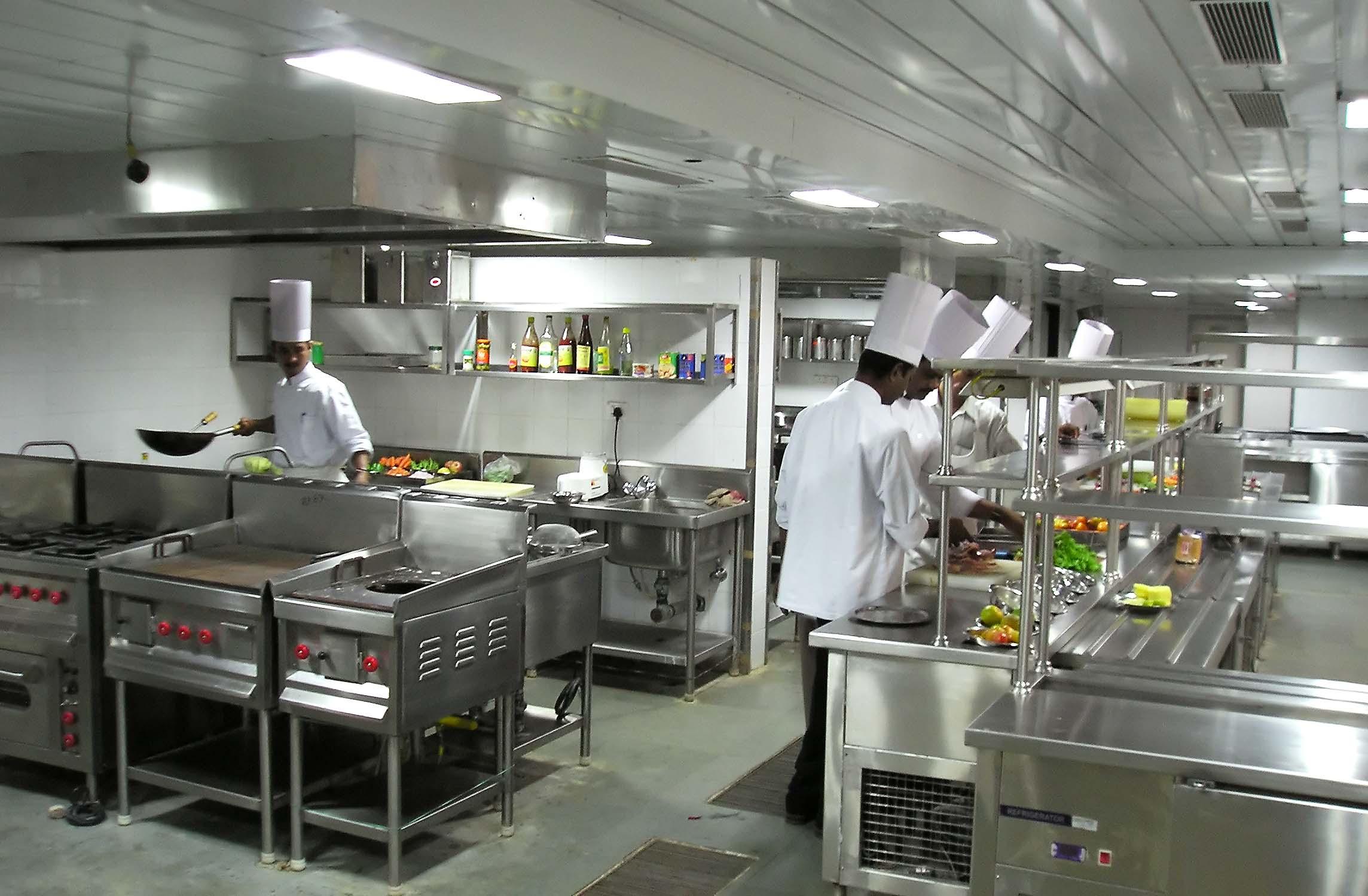 Differenze tra le principali cucine per la ristorazione for Cabine per la colazione per cucine