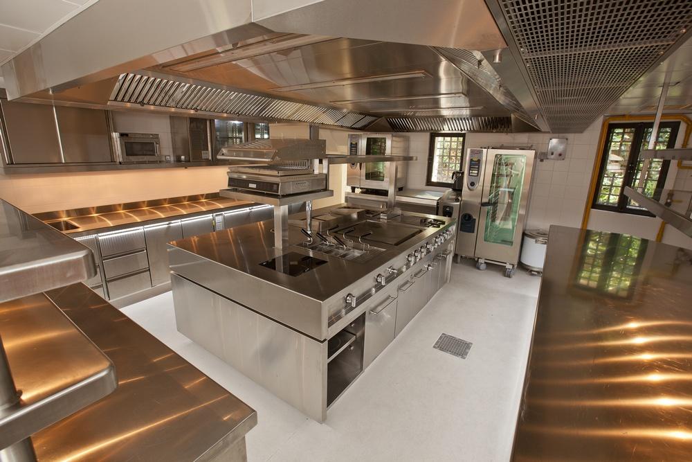 Arredamento cucina industriale by01 regardsdefemmes - Prezzi cucine professionali ...